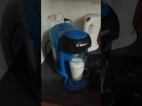 Bosch Tassimo Vivy 2 Intellibrew coffee machine TAS blue review demo cappuccino laté +. Black friday