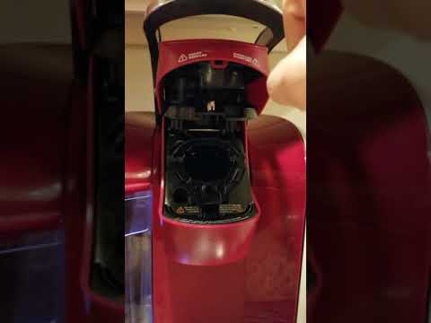 Keurig k-cup machine won't close.   simple workaround