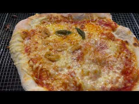 Pizza med bunn hevet i 48 timer